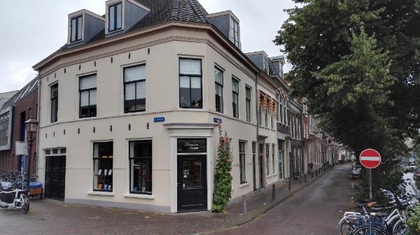 Bakenessergracht 1 Haarlem Pentagram boekwinkel