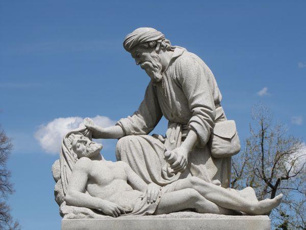 beeld barmhartige samaritaan